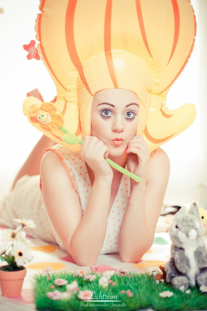 Frühlingsbild mit Model Sari von Hochzeitsfotograf Frank Metzemacher