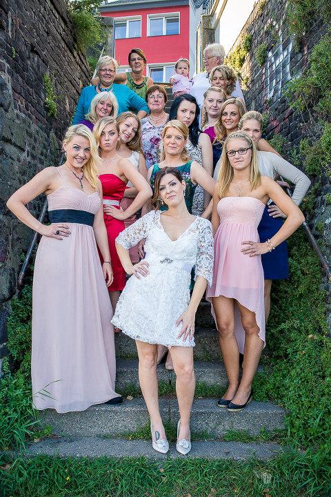 Hochzeitsfotos aus Duisburg von Britta & Michael- Gruppenbild Frauen