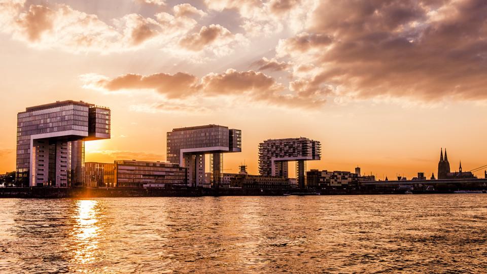 Köln Panorama mit Kranhäuser