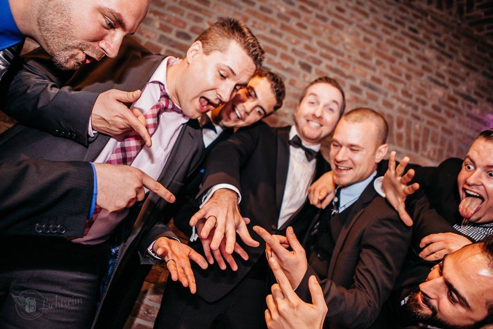 Bräutigam und Freunde Köln
