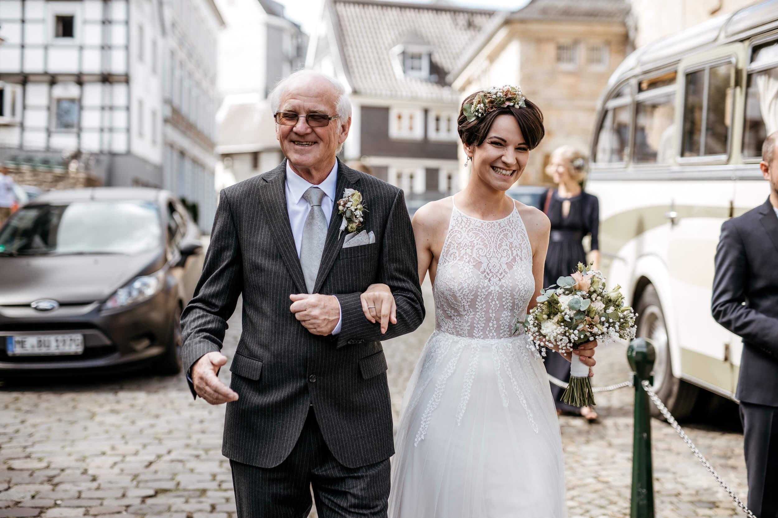 Braut und Brautvater Köln